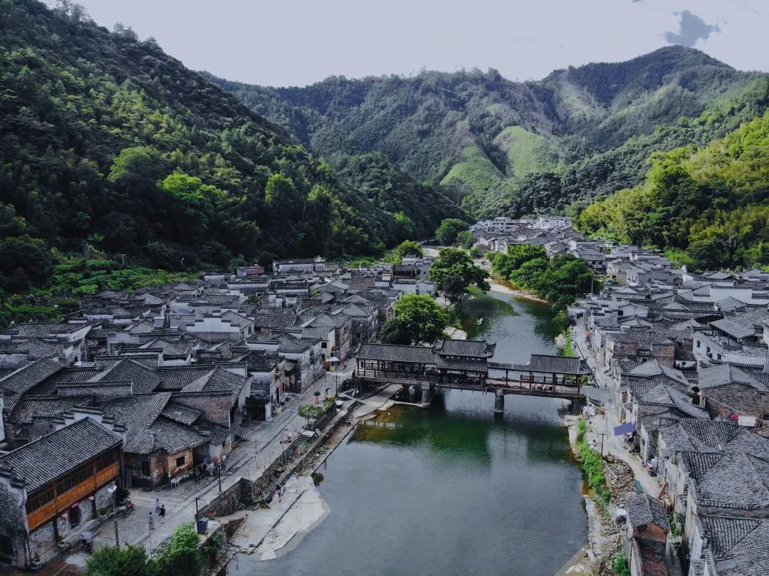 """从景德镇""""景漂""""现象 看中国文化的当代发展"""