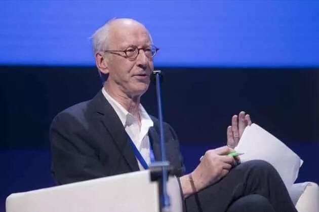 """世界创意产业之父""""约翰·霍金斯"""":发展创意经济单靠政府独木难支 需商界和个人共同努力"""