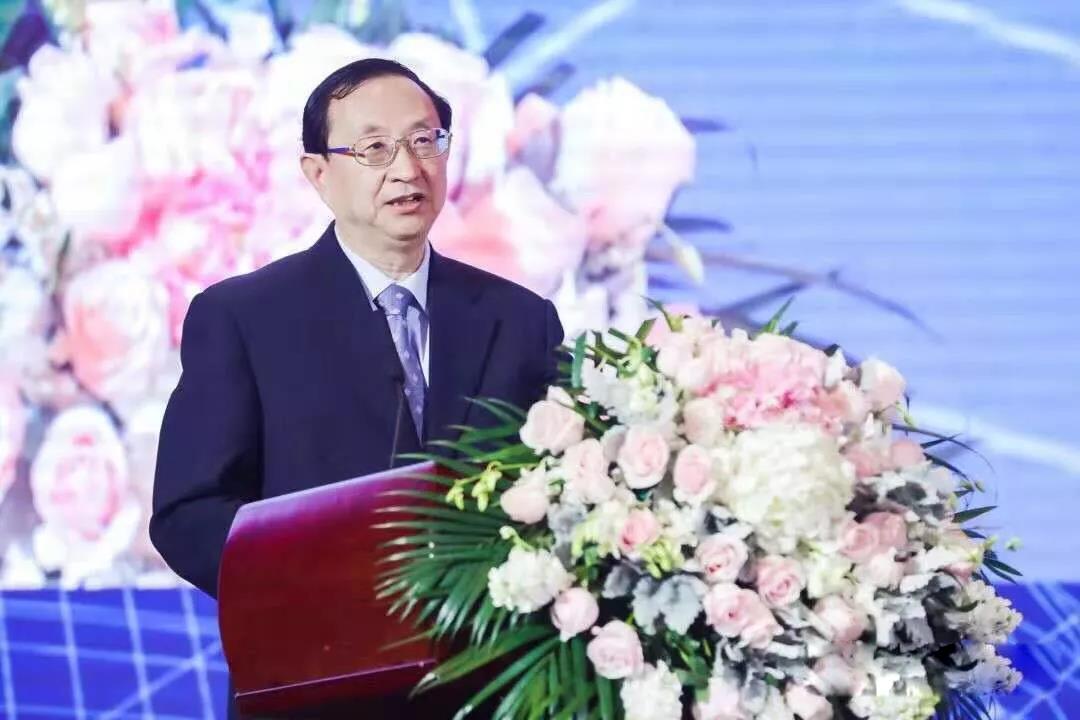 文旅部部长雒树刚:推动旅游业高质量发展
