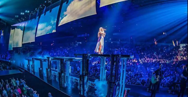 这样设计的舞台,每一秒都能够让观众大呼过瘾!