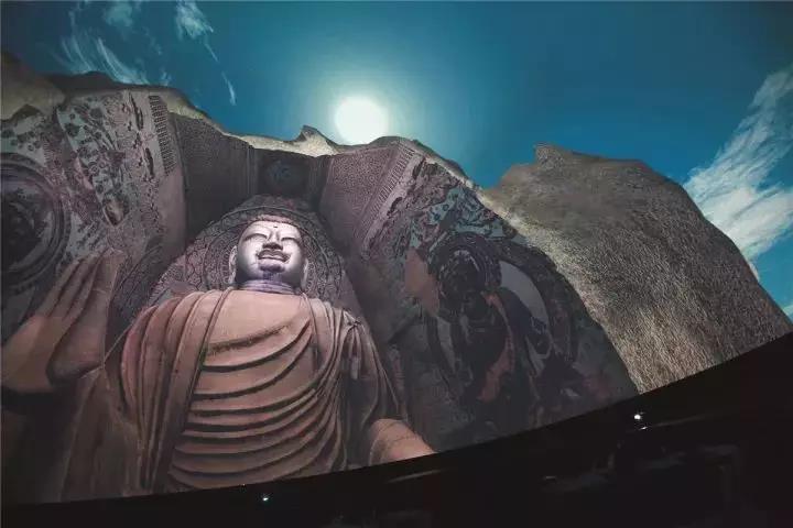 敦煌 | 如果莫高窟有一天永久关闭,我们如何探索这个世界遗产呢?