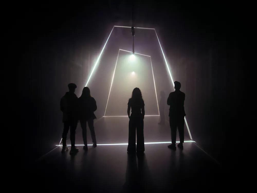 """视觉与光的独特设计,带来沉浸式""""冲击""""体验!"""