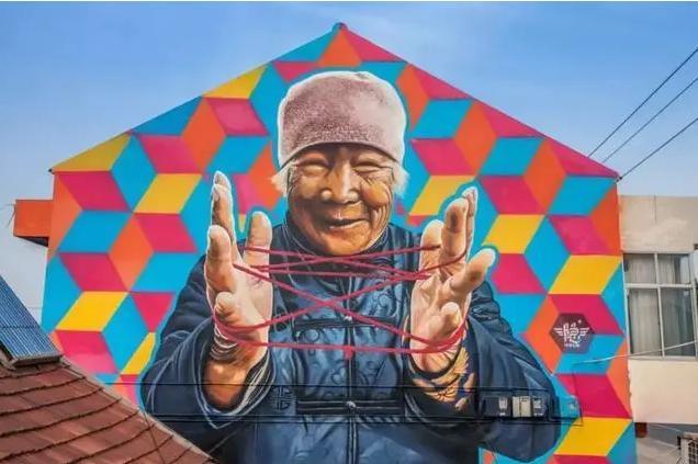 100位艺术家用涂鸦让这个原本平平无奇的农村火了,现实版的回村的诱惑